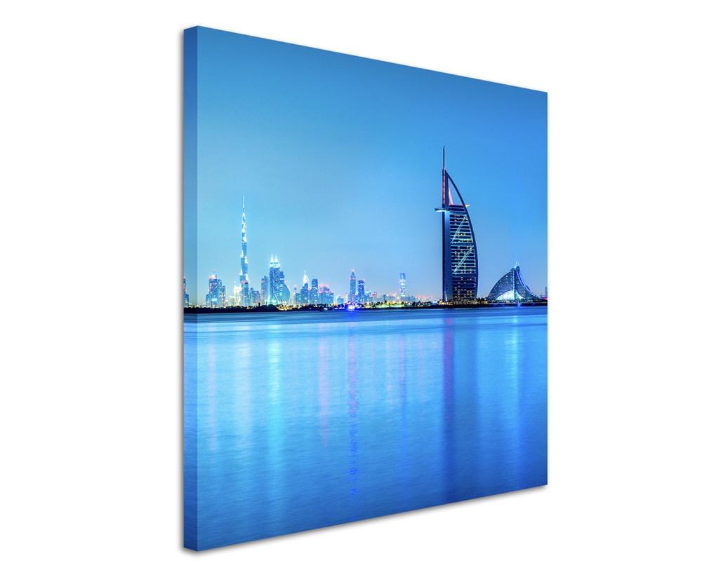 Architekturfotografie-Dubai-Skyline-im-Morgengrauen-UAE-auf-Leinwand
