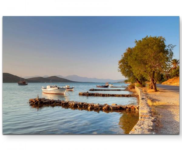 Landschaftsfotografie - Küste von Kreta mit anliegendem Boot - Leinwandbild
