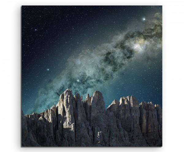 Landschaftsfotografie –  Milchstraße über Gebirgskette auf Leinwand exklusives Wandbild moderne Foto