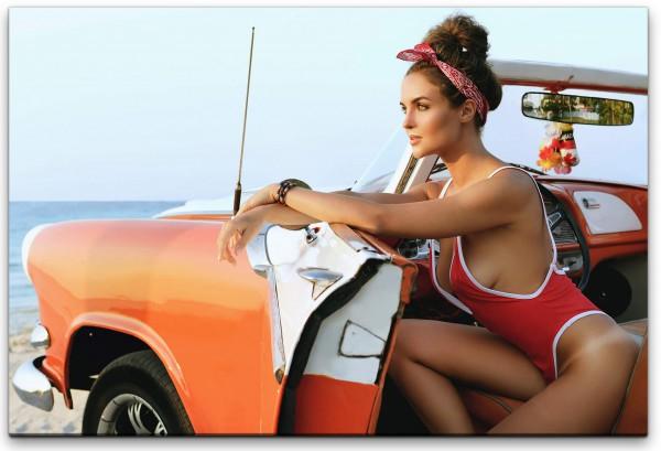 Sexy Frau in Auto Wandbild in verschiedenen Größen