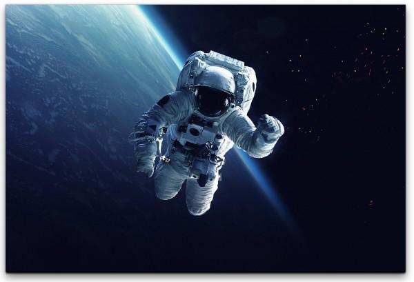 Astronaut im Weltall Wandbild in verschiedenen Größen