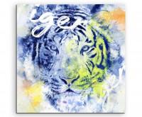 Wilder Tiger von vorne mit Kalligraphie