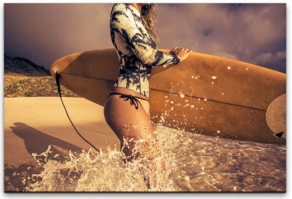 Surfen am Strand Wandbild in verschiedenen Größen