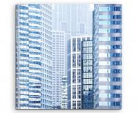 Architekturfotografie – Wolkenkratzer im vertikalen Detail  auf Leinwand