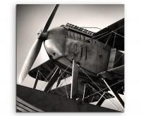 Naturfotografie – Altes Flugzeug aus den 1920ern auf Leinwand