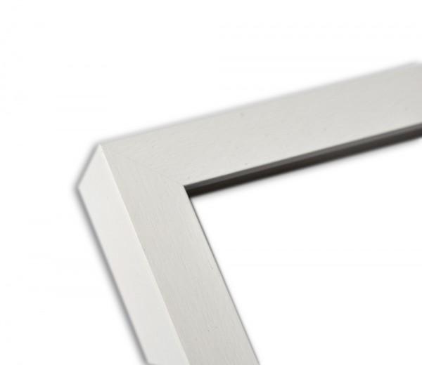 Moderne Blockleiste in weiß lasiert