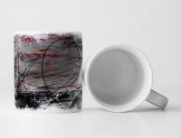 Tasse Geschenk schwarze feine Linien auf abstraktem Untergrund