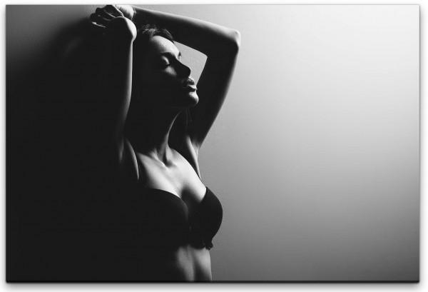 Frau in Unterwäsche Wandbild in verschiedenen Größen