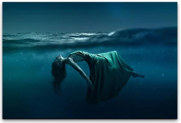 Frau unter Wasser Wandbild in verschiedenen Größen