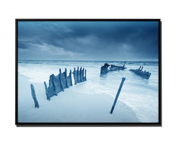 105x75cm Leinwandbild Petrol Schiffswrack am Strand Australien II