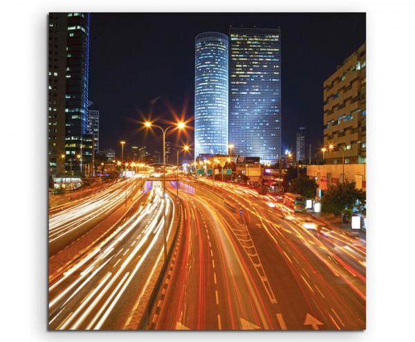 Urbane Fotografie – Fließender Verkehr bei Nacht auf Leinwand