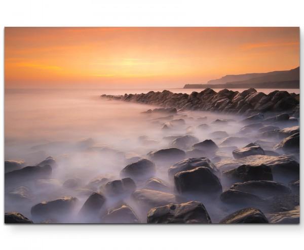 Steine am Meer, Nebel über dem Wasser - Leinwandbild