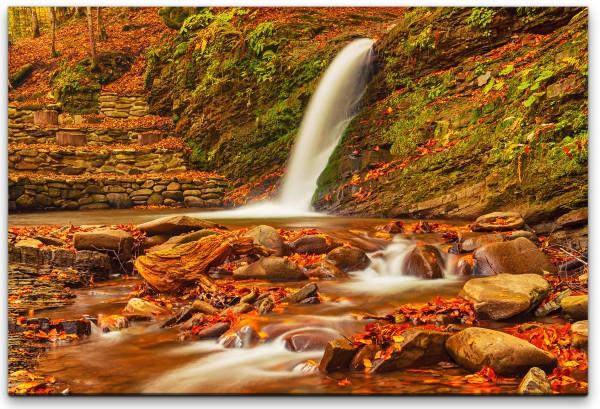 Wasserfall aus einem Berg Wandbild in verschiedenen Größen