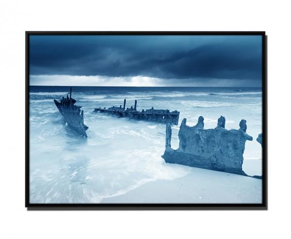 105x75cm Leinwandbild Petrol Schiffswrack am Strand Australien I